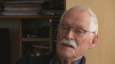Koos Nieuwenhuizen beschrijft de dubbele moord op de broers Van Zelst.