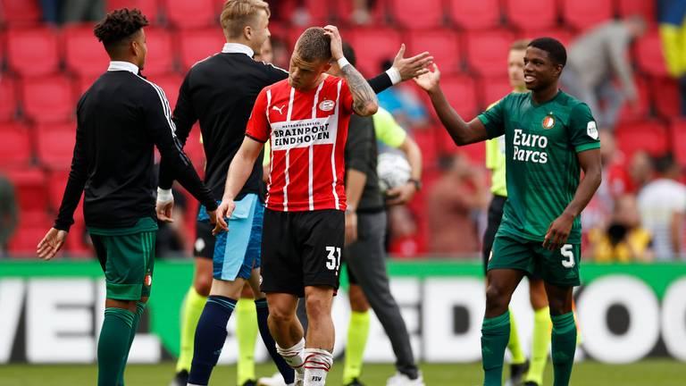 Teleurstelling bij PSV na de verloren wedstrijd tegen Feyenoord (foto: ANP)