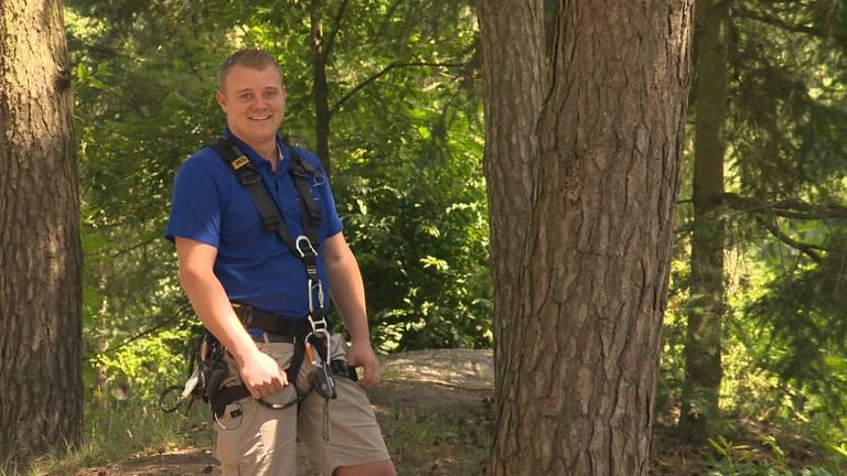 Bas is al een aantal jaar sport-instructeur op het vakantiepark.