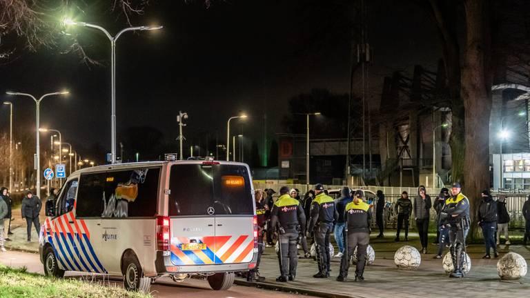 Willem II supporters bij het stadion.