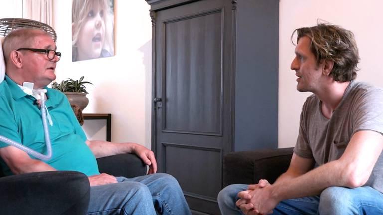 Bart en Ad tijdens de opnames van 'Polio is Real' (Foto: Bart Melief).