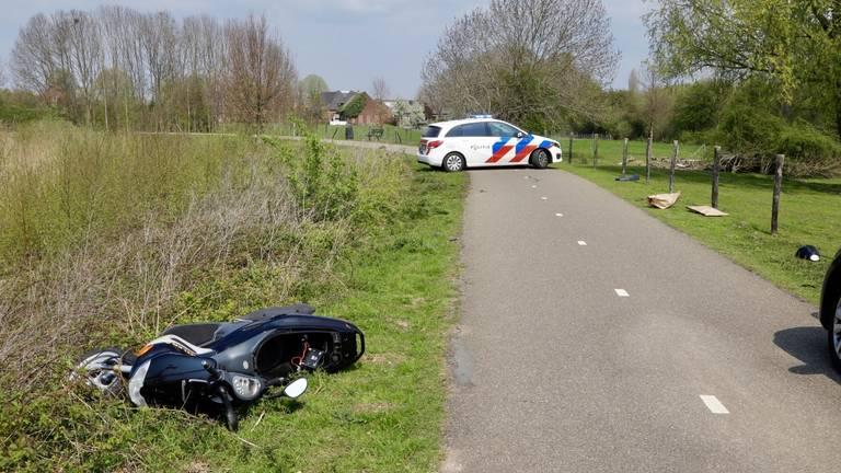 De bestuurder ging er te voet vandoor. (Foto: SK-Media)