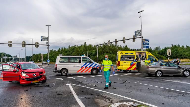 Het eerste ongeluk dat gebeurde op de kruising (foto: Jack Brekelmans/SQ Vision).