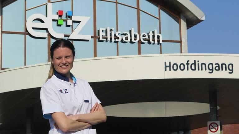Karin van der Staak (33) werkt op de intenstive care van het Elisabeth-TweeSteden Ziekenhuis.