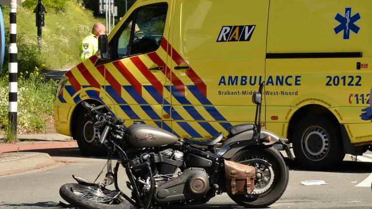 Het ongeluk in Breda gebeurde rond elf uur zaterdagochtend (foto: Perry Roovers/SQ Vision).