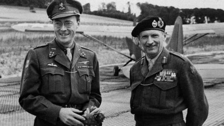 Prins Bernhard en veldmaarschalk Montgomery