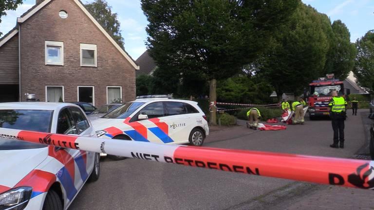 Het onderzoek bij het huis in Sint-Michielsgestel.