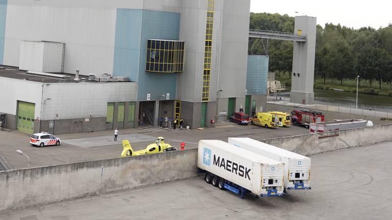 Na het ongeval werd onder meer een traumahelikopter ingezet (archieffoto: Danny van Schijndel).
