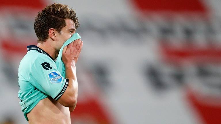 Teleurstelling bij Mats Köhlert na de nederlaag tegen PSV (foto: ANP).