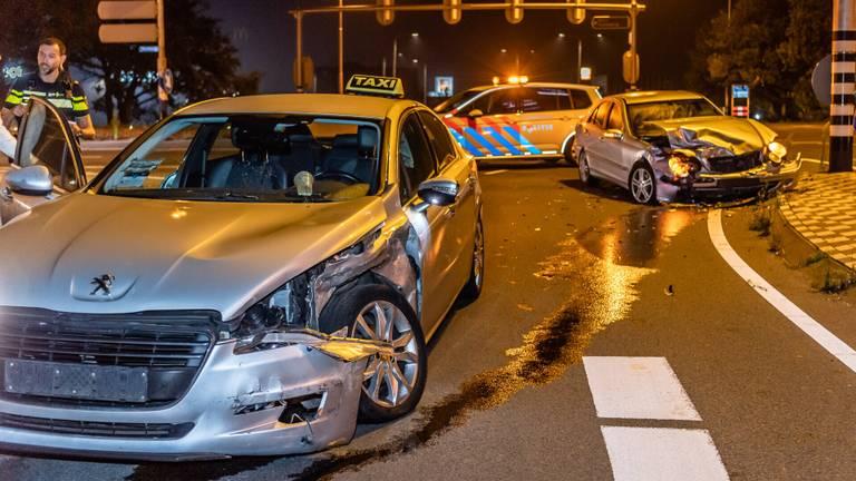 Hoe het ongeluk op de Blaakweg in Tilburg kon gebeuren, wordt onderzocht (foto: Jack Brekelmans/SQ Vision).