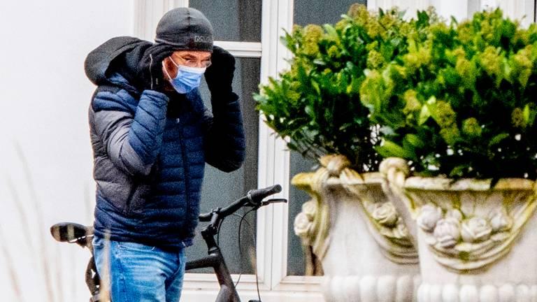 Premier Mark Rutte komt aan bij het Catshuis voor een overleg. (foto: ANP 2021/Robin Utrecht).