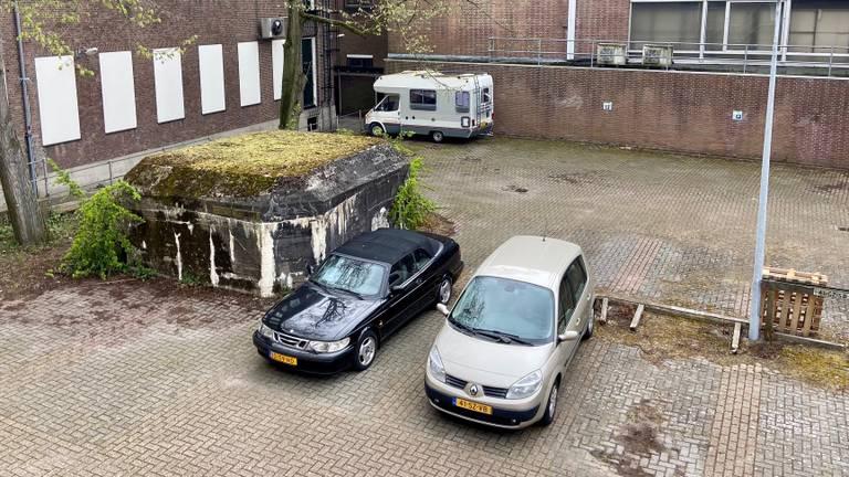 De bunker ligt achter het voormalige V&D pand in de binnenstad (foto: Erik Peeters)