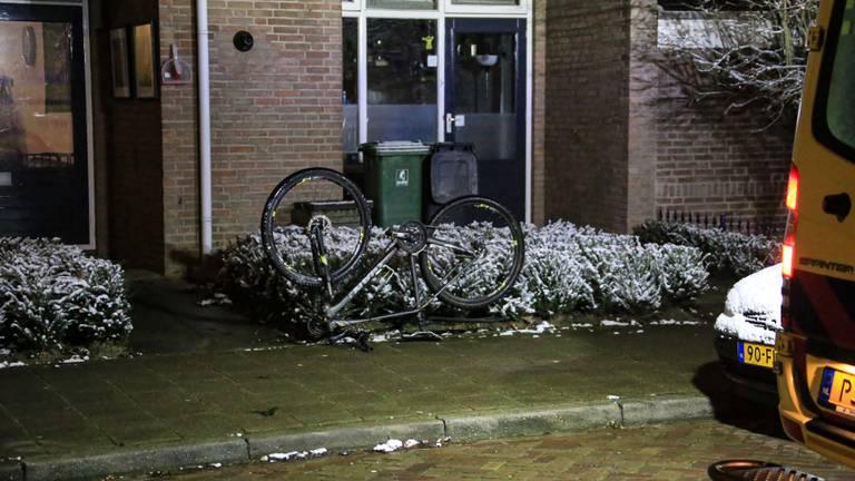 Onderzocht wordt of de fiets waarop de man reed wellicht ook gestolen is (foto: Harrie Grijseels/SQ Vision).