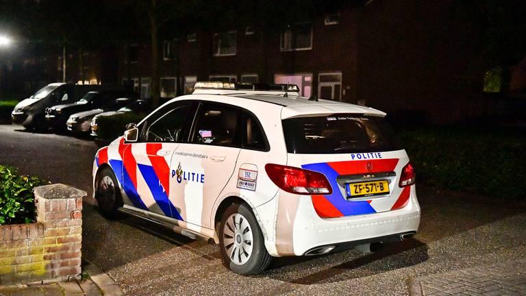De politie doet onderzoek naar de steek[partij in Hapert (foto: Rico Vogels/SQ Vision).