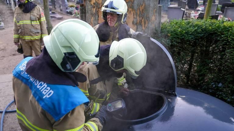 De brand ontstond in een container (foto: Gabor Heeres/SQ Vision).