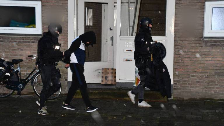 Bij de inval werden twee mannen opgepakt. Foto: Provicom Multimediadiensten