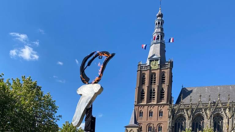 Het bevrijdingsvuur in Den Bosch (foto: Jan Peels).