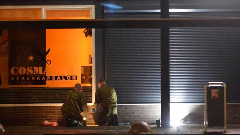Onderzoek op de plek waar het explosief werd gevonden (foto: Perry Roovers/SQ Vision).