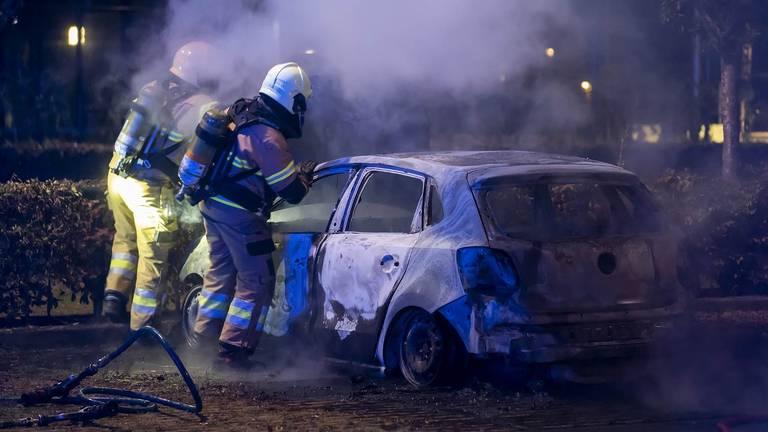 De brandweer bluste het vuur in Oss (foto: Gabor Heeres/SQ Vision).
