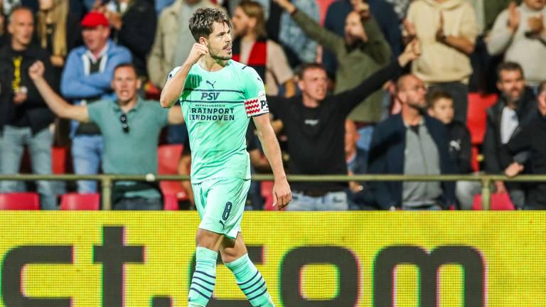 Marco van Ginkel was de gevierde man bij PSV (Foto: OrangePictures)