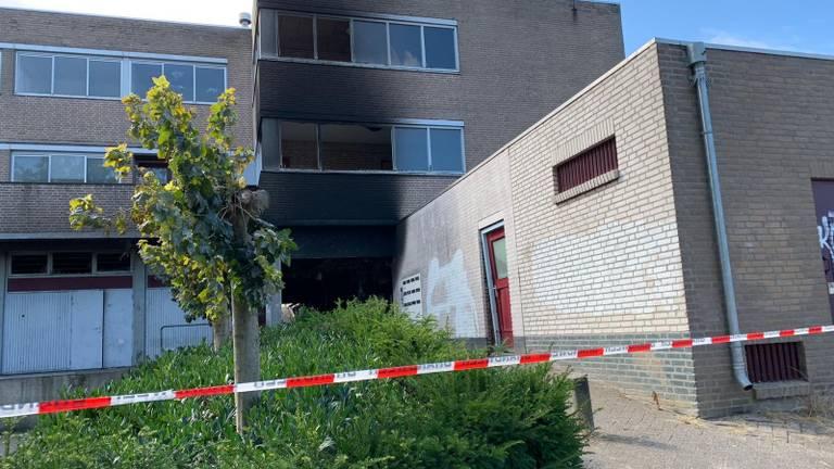 De brandschade is overdag goed zichtbaar (foto: Eva de Schipper).