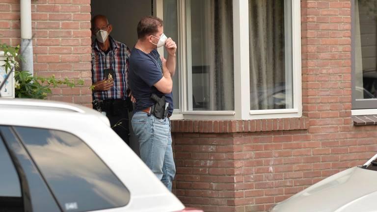 Twee van de mensen die bij de invallen werden ingezet (foto: Perry Roovers/SQ Vision Mediaprodukties).