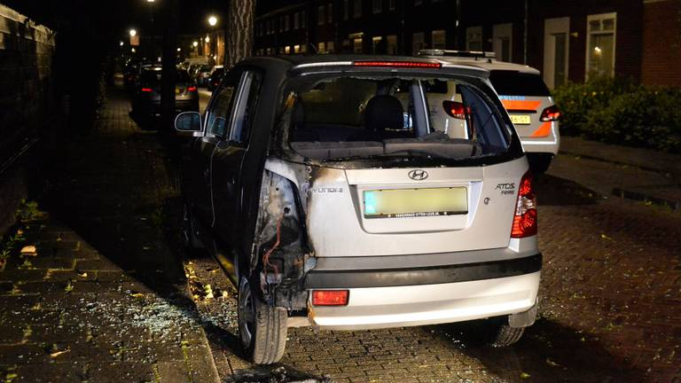 De schade aan de auto's is aanzienlijk (foto: Perry Roovers/SQ Vision).