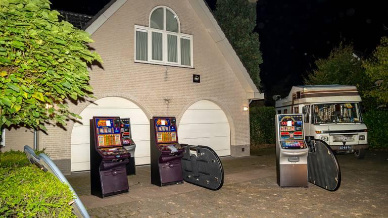 Illegaal casino opgerold in Rijen. (foto: Marcel van Dorst/SQ Vision Mediaprodukties)
