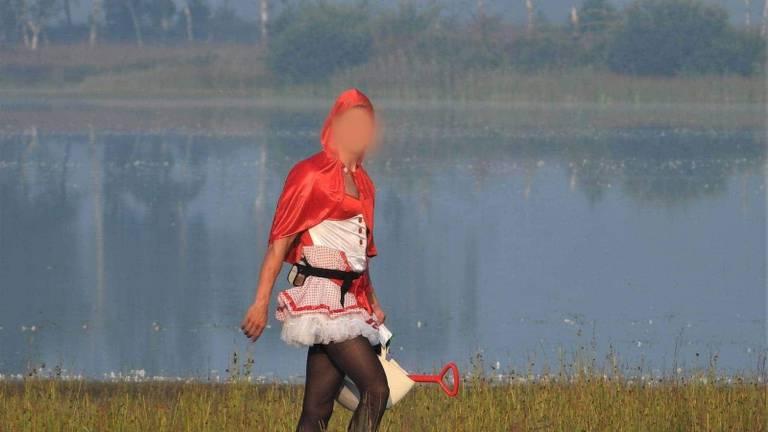 Roodkapje op de Strabrechtse Heide.