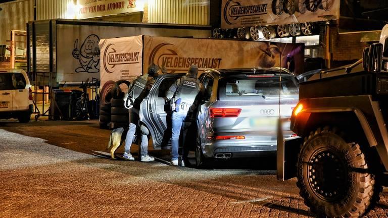 De inval vond plaats aan de Insulindestraat in Tilburg (foto: SQ Vision)