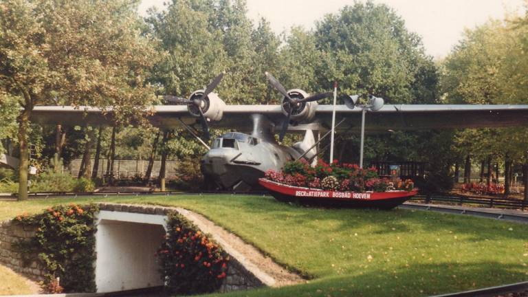 De Catalina stond jarenlang in recreatiepark Bosbad Hoeven. (Foto: NMM)