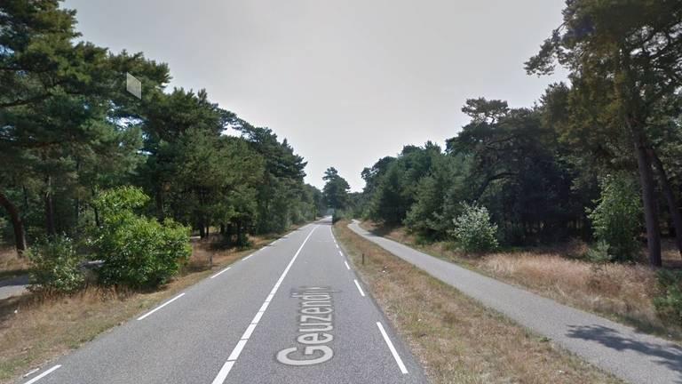 De man werd in het bosgebied bij de Geuzendijk aangehouden (foto: Google Maps).