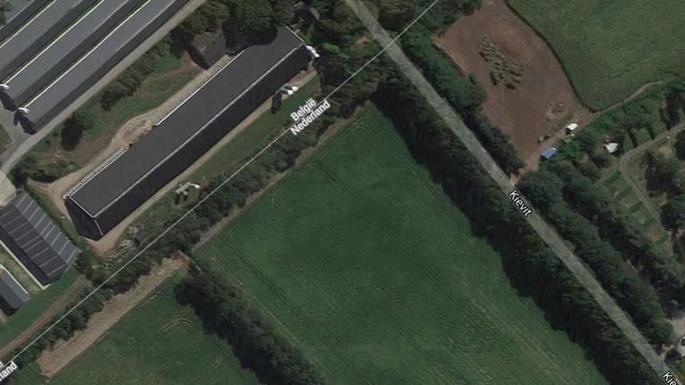 Het bedrijf Roelen Hof in Ravels, gerund door Brabanders, ligt net in België (Foto: Google).