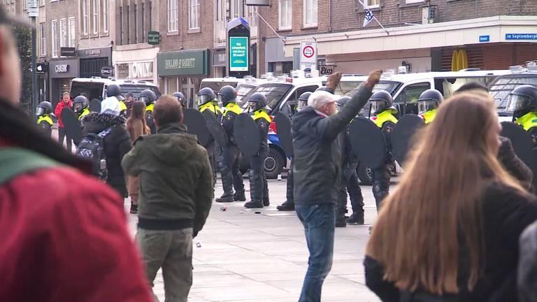 Zo'n 30 mensen aangehouden in Eindhoven