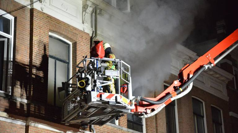 De brandweer in actie (foto: Perry Roovers/SQ Vision Mediaprodukties).