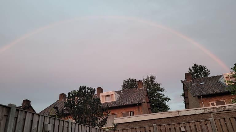 Wel een regenboog, geen regen. Kan dat eigenlijk?