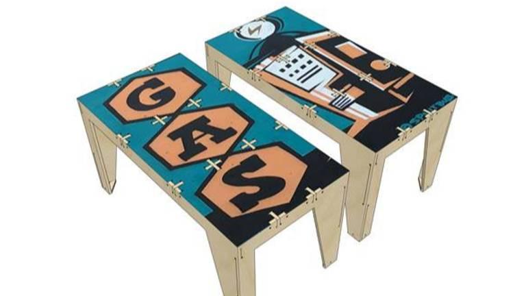 Design tafels van avondklok rellen (Foto: Buro Kade / Kings of Colors)