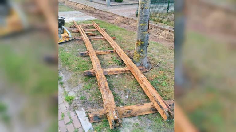 De oude spoorlijn werd gevonden bij de Oudedijk (foto: San Maton).