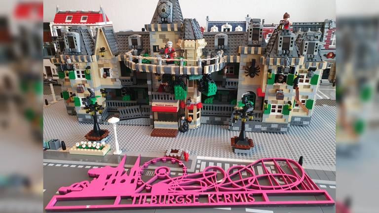 Speciaal voor alle liefhebbers van de Tilburgse kermis: Gerard Verheek maakte een LEGO-versie van het spookhuis 'Haunted Mansion'.