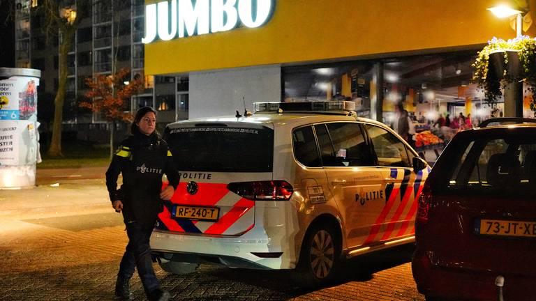 Politie bij de overvallen Jumbo (foto: Jeroen Stuve/SQ Vision Mediaprodukties).
