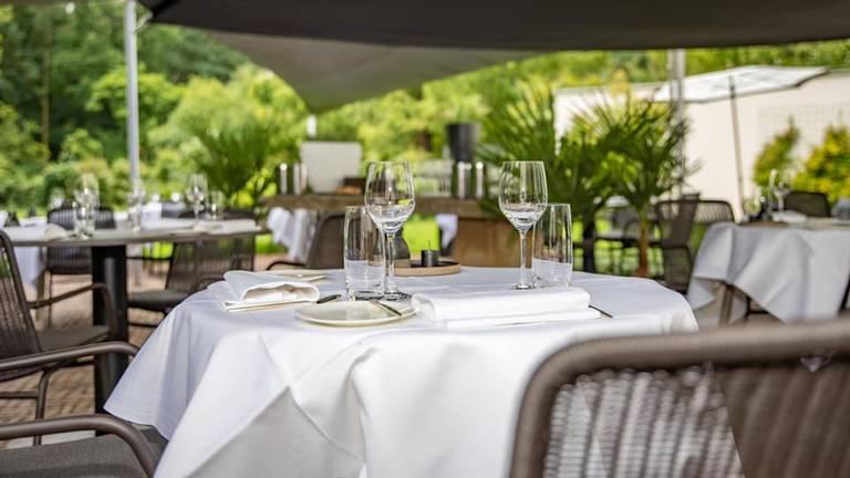 De restaurants mogen zaterdag weer tot 22.00 open (foto: Restaurant Wolfslaar).