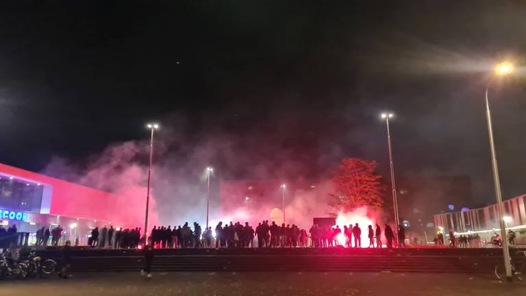 Supporters van Willem II vieren feest