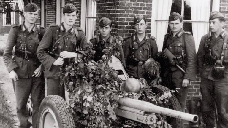 Kriegsmarinesoldaten in 1945 in Nederland (foto: particuliere collectie)