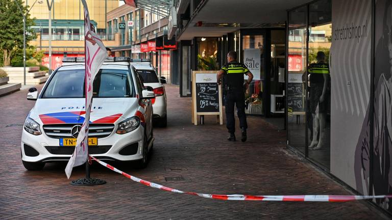 De politie is ter plaatse. (Foto: Tom van der Put / SQ Vision)