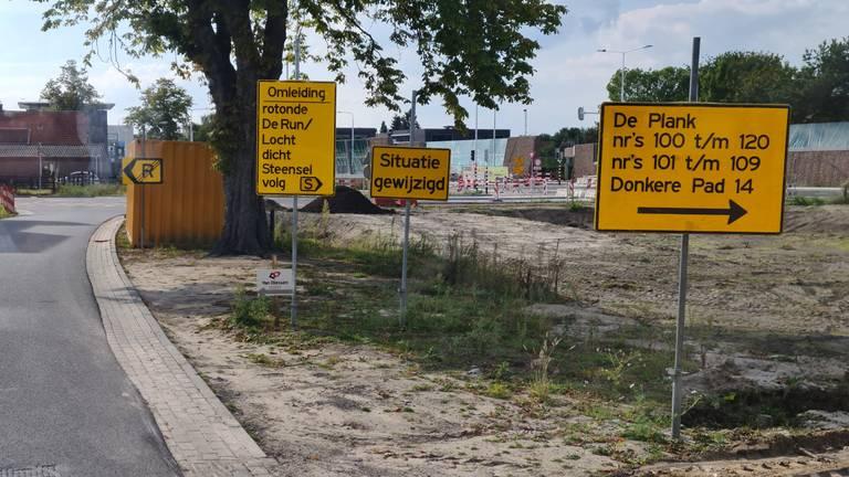 De waarschuwingsborden (foto's: Ton Rovers)