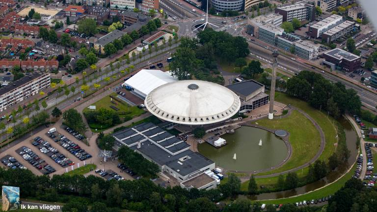 Het Evoluon in Eindhoven. (Foto: Jeroen Komen)