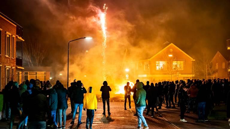 Er werd ook zwaar vuurwerk afgestoken in Veen (foto: SQ Vision).