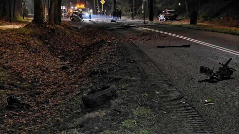 De ravage op de weg in Moergestel was aanzienlijk (foto: Toby de Kort/SQ Vision).