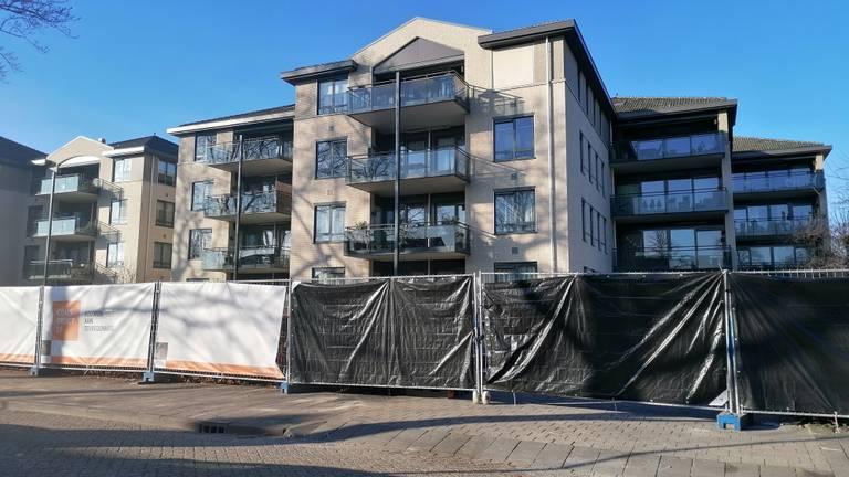 Zo ligt het appartementencomplex er nu bij (foto: Ista van Galen).