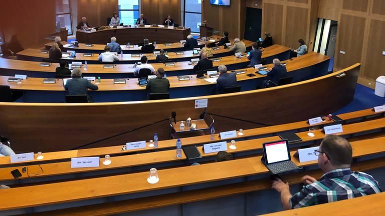 De gemeenteraad van Helmond vergadert over Helmond Sport (Foto: Alice van der Plas)